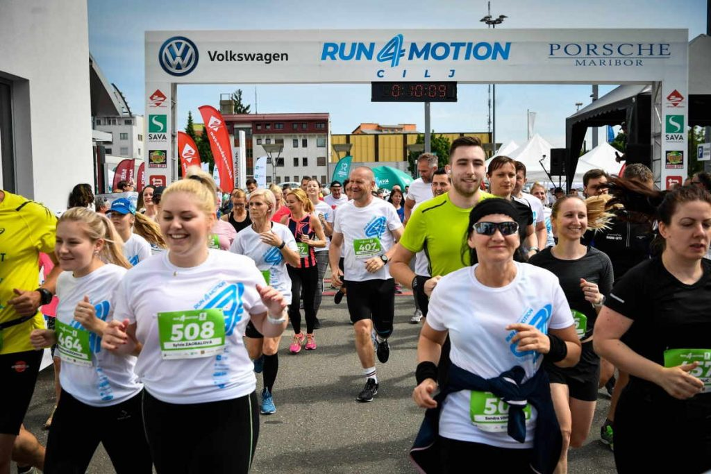 Start polmaraton run4motion