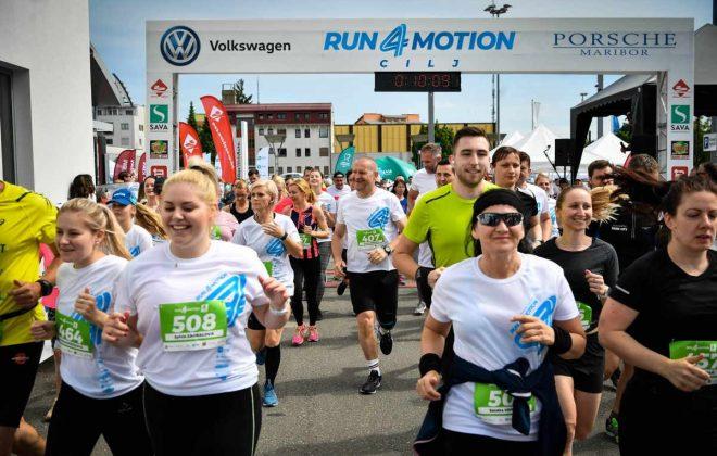 Start polmaraton run4motion